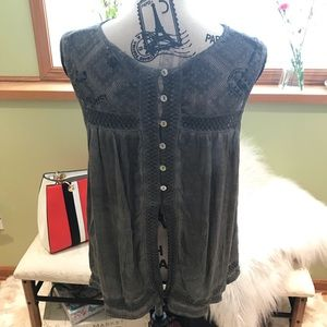 Tops - 🤩Sleeveless Casual Top🤩